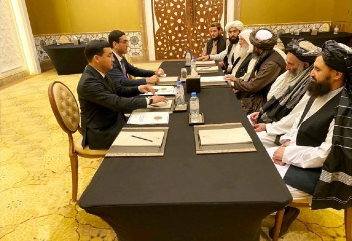 Turkmen Delegation Meets Participants of Intra-Afghan Peace Talks in Doha