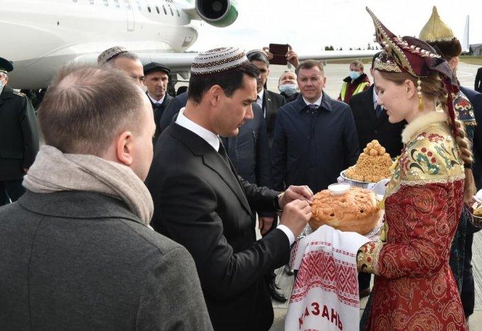 Serdar Berdimuhamedov Arrives in Kazan to Attend EAEU Meeting