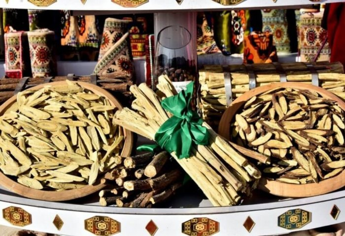 Foreign Businesses Buy Turkmen Licorice Roots, Oil Products