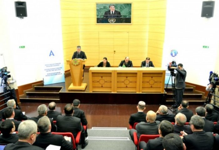 Turkmen MFA Briefing Focuses on Aral Sea and First CES