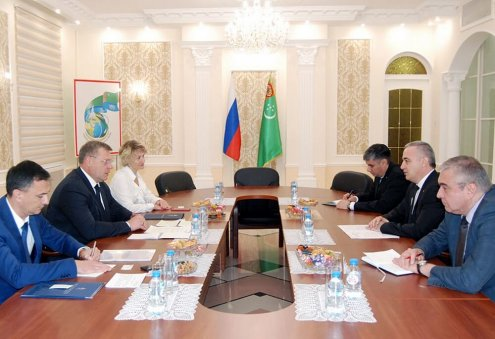 Turkmen, Russian Officials Discuss Construction of Vessels for Turkmenistan
