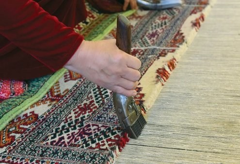 Turkmen Enterprise Produces 3,029 sqm of Hand-Made Carpet Products