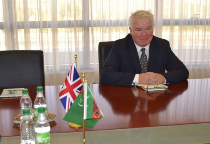 Top Turkmen Diplomat Receives British Ambassador
