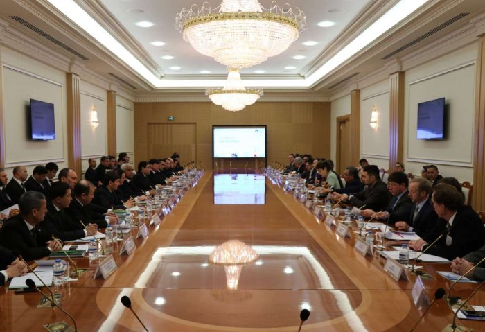 Turkmenistan, Germany Talk Business at Round Table in Ashgabat