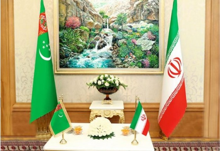 Presidents of Turkmenistan, Iran Discuss Fight Against COVID-19 Pandemic