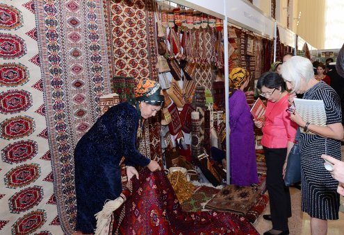 Turkmenistan Makes Major Changes in Carpet Production and Sericulture Sectors