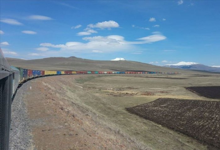 Longest Freight Train on Baku-Tbilisi-Kars Railway Heads to Central Asia