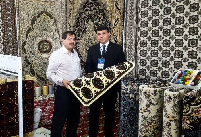 Abadan Haly Showcases Its Carpets in Iran and Singapore