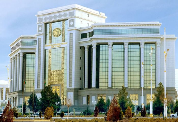 Turkmen Leader Instructs to Accelerate Introduction of Modern Banking Services