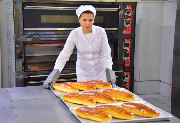 40-Year-Old Bakery in Turkmenabat Bumps Up Production