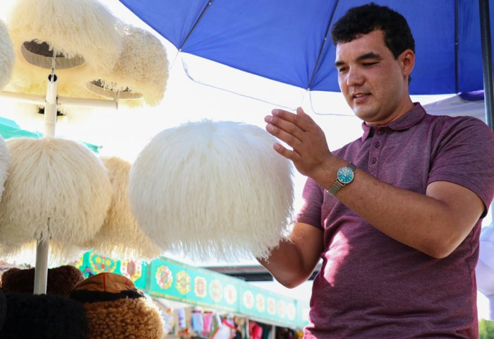 Traditional Telpek Still Popular Among Turkmens
